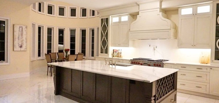 Custom Design Transitional Kitchen
