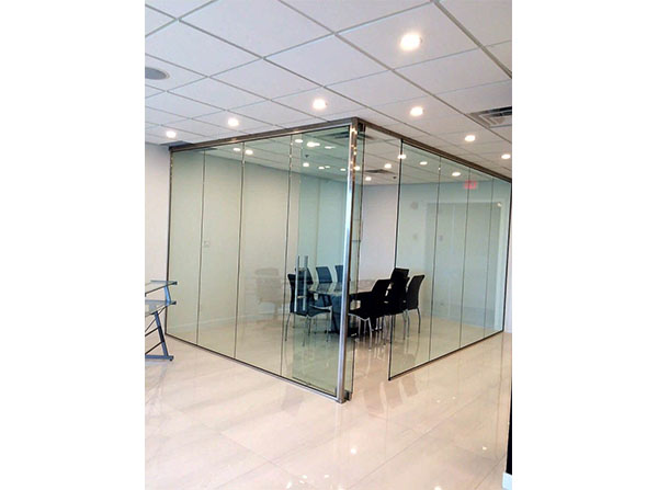 Custom glass enclosed meeting room