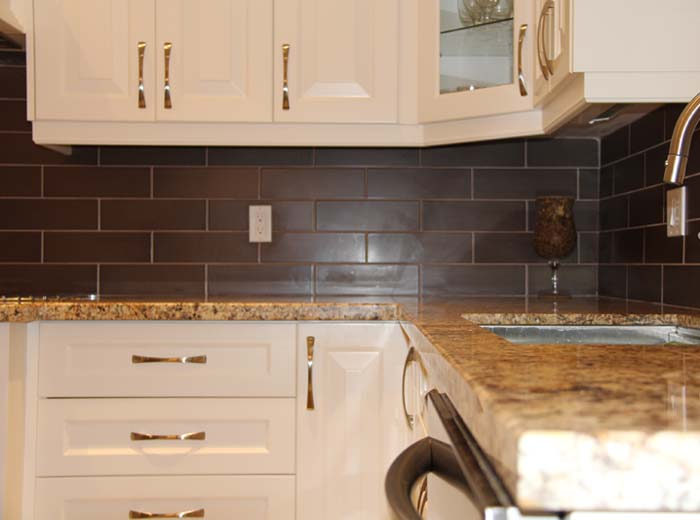 Custom Kitchen With Granite Countertop In Mississauga By